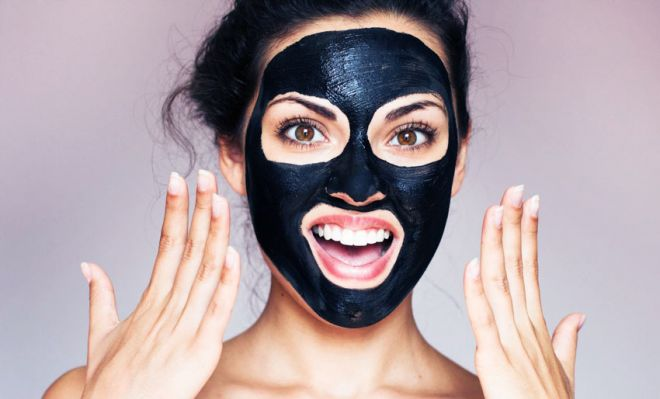black-mask-maschera-viso-al-carbone-vegetale